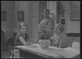 Bomans pojke : Ett filmlustspel med sång - image 20