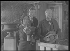 Bomans pojke : Ett filmlustspel med sång - image 102