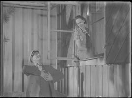 Bomans pojke : Ett filmlustspel med sång - image 103