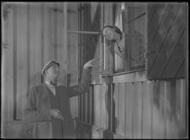 Bomans pojke : Ett filmlustspel med sång - image 176