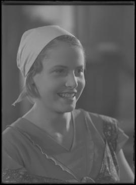 Bomans pojke : Ett filmlustspel med sång - image 75
