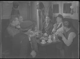 Bomans pojke : Ett filmlustspel med sång - image 184