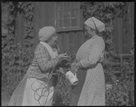 Två man om en änka - image 75