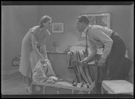 Två man om en änka - image 10
