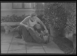 Två man om en änka - image 117