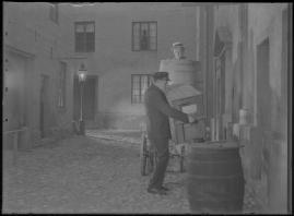 """Simon i Backabo : Den sällsamma historien om Simon Jönsson, hans fall och upprättelse, berättad efter en idé ur """"Sympatiske Simon"""" - image 92"""