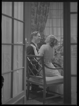 Äktenskapsleken - image 250