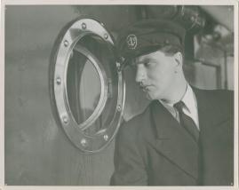 En sjöman går iland - image 3