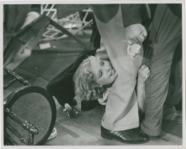 En sjöman går iland - image 38