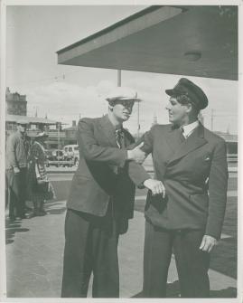 En sjöman går iland - image 48