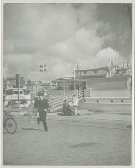 En sjöman går iland - image 49