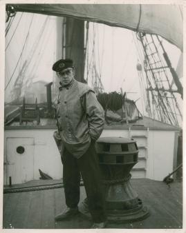 Styrman Karlssons flammor : En sjömans äventyr till lands och vatten - image 215
