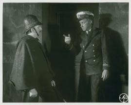 Styrman Karlssons flammor : En sjömans äventyr till lands och vatten - image 177