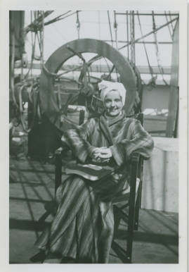 Styrman Karlssons flammor : En sjömans äventyr till lands och vatten - image 227