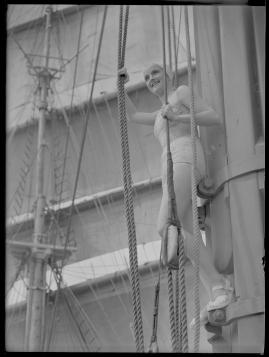 Styrman Karlssons flammor : En sjömans äventyr till lands och vatten - image 84