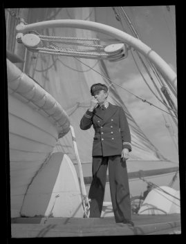 Styrman Karlssons flammor : En sjömans äventyr till lands och vatten - image 128