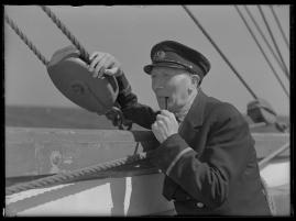 Styrman Karlssons flammor : En sjömans äventyr till lands och vatten - image 129