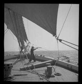 Styrman Karlssons flammor : En sjömans äventyr till lands och vatten - image 131