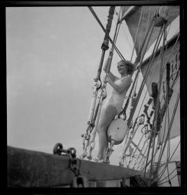Styrman Karlssons flammor : En sjömans äventyr till lands och vatten - image 252