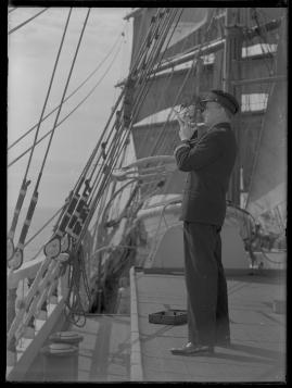 Styrman Karlssons flammor : En sjömans äventyr till lands och vatten - image 235