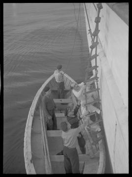 Styrman Karlssons flammor : En sjömans äventyr till lands och vatten - image 87
