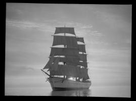 Styrman Karlssons flammor : En sjömans äventyr till lands och vatten - image 142