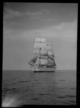 Styrman Karlssons flammor : En sjömans äventyr till lands och vatten - image 259