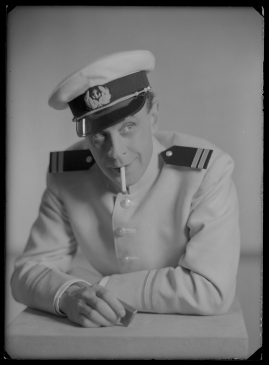 Styrman Karlssons flammor : En sjömans äventyr till lands och vatten - image 102