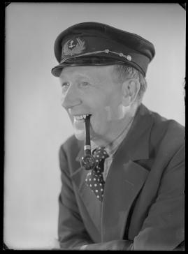 Styrman Karlssons flammor : En sjömans äventyr till lands och vatten - image 158