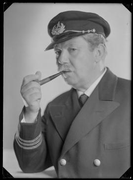 Styrman Karlssons flammor : En sjömans äventyr till lands och vatten - image 103