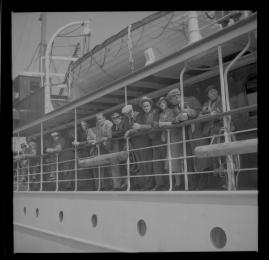 Styrman Karlssons flammor : En sjömans äventyr till lands och vatten - image 57