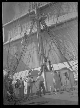 Styrman Karlssons flammor : En sjömans äventyr till lands och vatten - image 114
