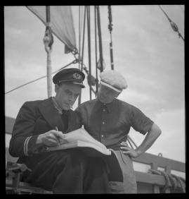 Styrman Karlssons flammor : En sjömans äventyr till lands och vatten - image 231