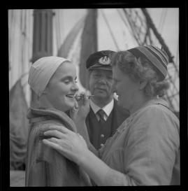 Styrman Karlssons flammor : En sjömans äventyr till lands och vatten - image 165