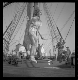Styrman Karlssons flammor : En sjömans äventyr till lands och vatten - image 164
