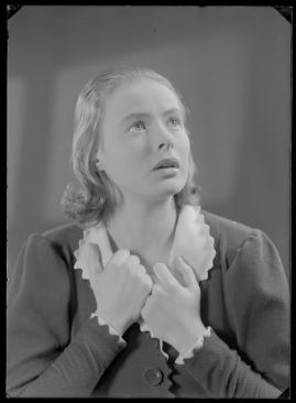 En kvinnas ansikte - image 136