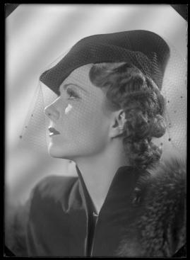 En kvinnas ansikte - image 34