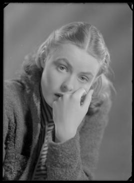 En kvinnas ansikte - image 170