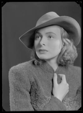En kvinnas ansikte - image 96