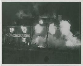 Adolf i eld och lågor - image 35
