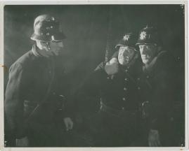 Adolf i eld och lågor - image 2