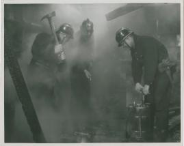 Adolf i eld och lågor - image 33