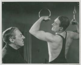 Adolf i eld och lågor - image 6