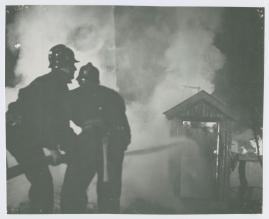 Adolf i eld och lågor - image 9