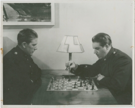 Adolf i eld och lågor - image 29