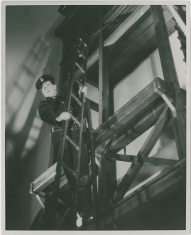 Adolf i eld och lågor - image 21