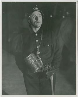 Adolf i eld och lågor - image 11