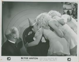 Blyge Anton - image 19
