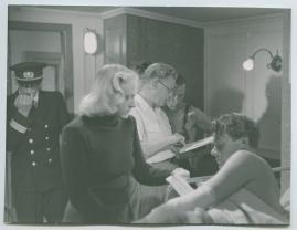 En kvinna ombord - image 59