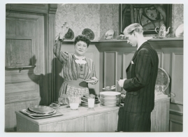 Kvinnan tar befälet - image 53